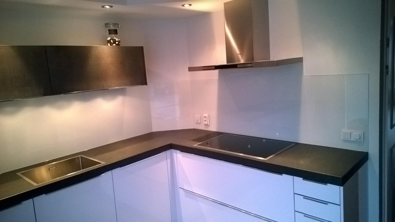 Achterwand keuken u fvs glas u uw glasleverancier en glaszetter in